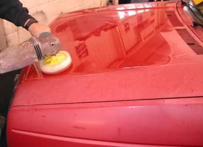 Seno automobilio poliravimas